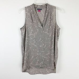 Vince Camuto gray printed v-neck top